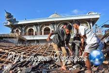 Жертв мощного землетрясения «поздравили» разноцветными шариками