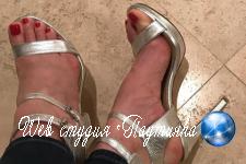 Блогер рассказала об огромных заработках на снимках ступней